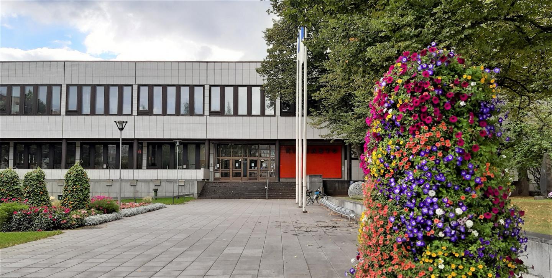 Kirjaston kukkapylväs pieni